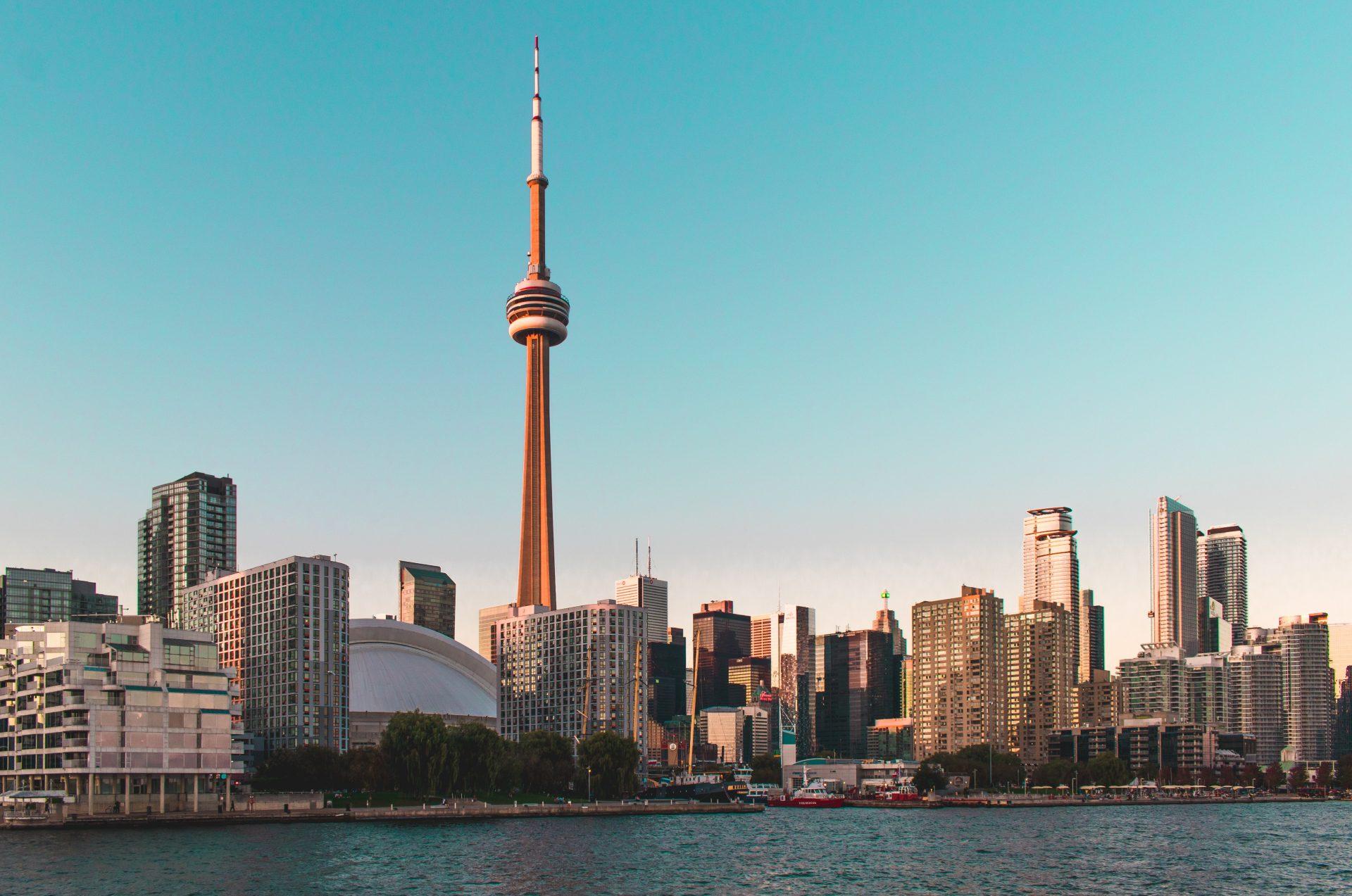 The Best Neighbourhoods for Foodies in Toronto